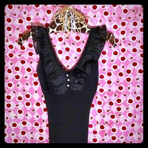 Cache black sleeveless sweater top